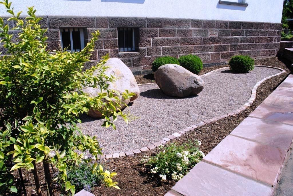 Gartengestaltung Mit Kies Und Steinen Steine Trittstufen ...